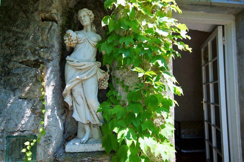 Appartamento con giardino in vendita a Levanto