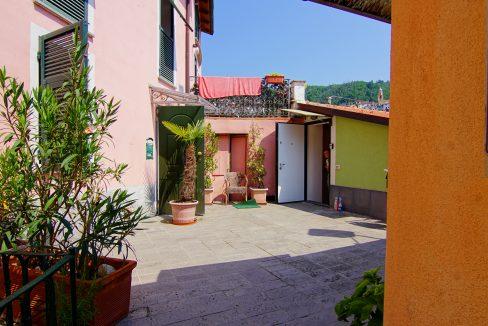 Appartamento Mansarda Palazzina verde secondo piano (1)